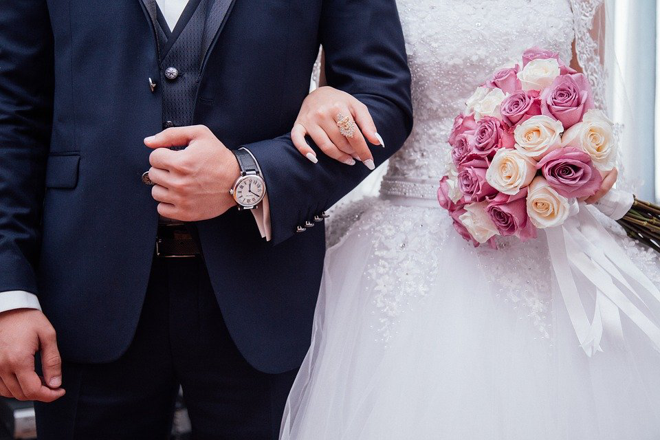 Stay Out Of Debt When Planning Your Wedding